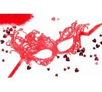 Красная ажурная текстильная маска Марго
