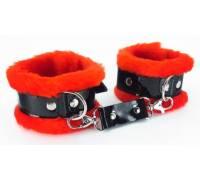 Красные наручники с мехом BDSM Light